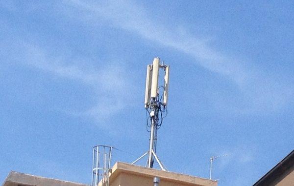Ripetitori telefonici sul tetto